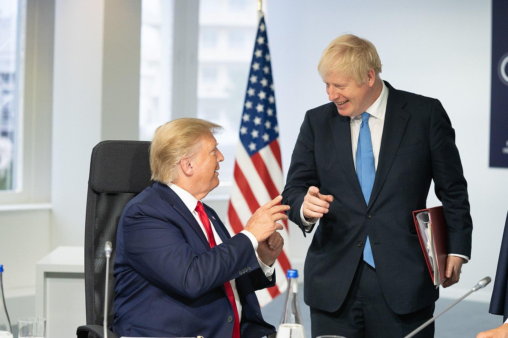 2019年8月G7會議上,川普與強生會面(來源:白宮,Shealah Craighead攝影)。